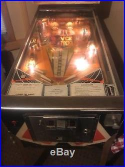 1974 Williams Lucky Ace Pinball Machine