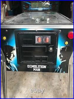 Demolition Man Pinball Machine