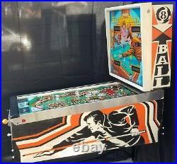 Eight Ball Pinball Machine (Bally) 1977