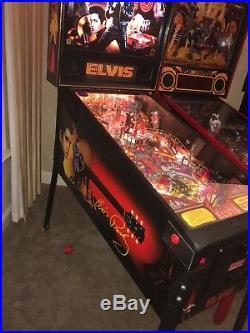 Elvis Presley, Huo, Stern Full Size Pinball Machine- Nice & Working 100% Calif