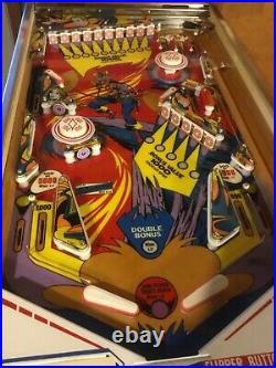 Gottlieb Solar City pinball machine, beautiful playfield, plays great