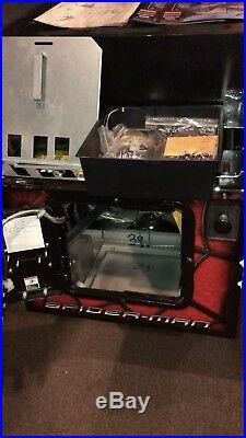 Limited edition Black Spiderman 2007 Stern pinball machine HUO