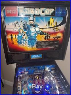 ROBOCOP Pinball Machine by Data East