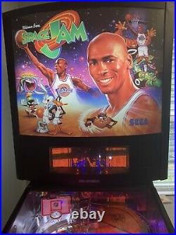 Sega Space Jam MICHAEL JORDAN Pinball Machine Great Condition Everything Works