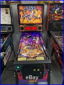 Stern Kiss Pro Pinball Machine 2015 Leds Absolute Beauty