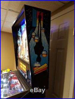 TWILIGHT ZONE Pinball Machine Bally 1993