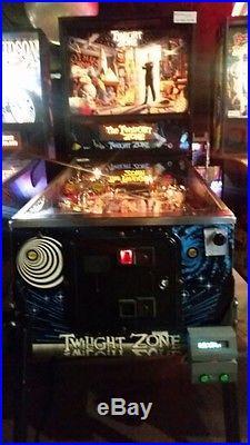 TWILIGHT ZONE Pinball Machine Bally 1993 Plays Great