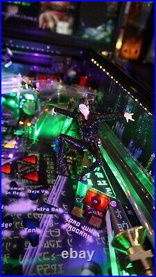 The Matrix Pinball Machine (Ultra RARE 1 of 12)