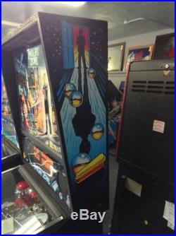 Twilight Zone Pinball Machine by Williams-FREE SHIPPING
