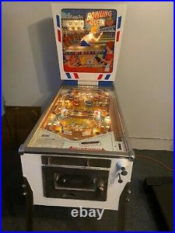 Vintage 1964 Gottlieb wedge head Bowling Queen pinball machine