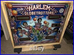 Vintage Harlem Globetrotters PINBALL MACHINE WORKS! Fun Game