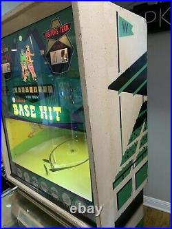 Williams Base Hit 1967 pitch and bat Pinball