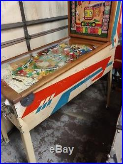 Williams Club House Woodrail Pinball Machine