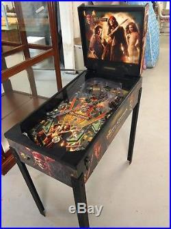 Zizzle Pirates of the Caribbean Pinball Machine. PARTS OR REPAIR